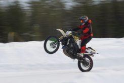 Suzuki GSX R1000 nieve