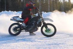 Suzuki GSX R1000 nieve kawasaki KX450F motocross