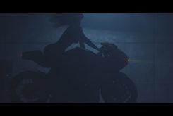 MV Agusta Superveloce 800 Serie Oro teaser erotico 06