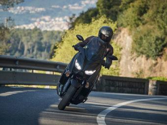 Yamaha XMAX 300 Iron Max 2019 pruebaMBK048