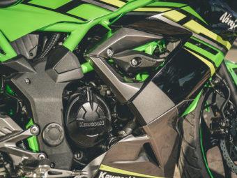 Kawasaki Ninja 125 vs Suzuki GSX R 125 (53)