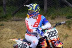Answer 2020 motocross MXGP equipacion Tony Cairoli