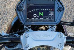 moto PGM V8 400 cv 2000 cc display