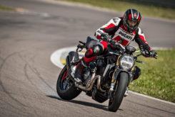 Ducati Monster 1200 S 2020 27