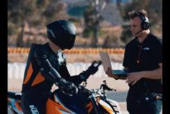 KTM 1290 Super Duke R 2020 teaser (4)