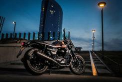Moto Guzzi V7 III Stone Night Pack 202035