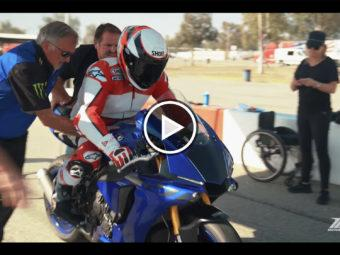 VIDEO Wayne Rainey rides Yamaha YZF R1 2020