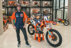 KTM 450 SX F Factory Edition 2020 01