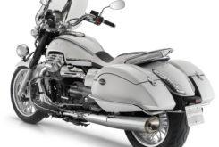 Moto Guzzi California 1400 Touring 13