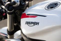Triumph Street Triple S 2020 01