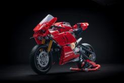 Ducati Panigale V 4 R LEGO Technic copia