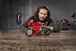 Ducati Panigale V4R LEGO copia