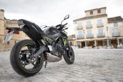 Kawasaki Z650 detalles 28 2020