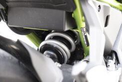 Kawasaki Z650 detalles amortiguador 2020