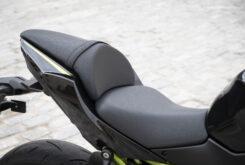 Kawasaki Z650 detalles asiento 2020