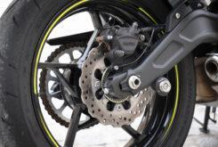 Kawasaki Z650 detalles basculante 2020