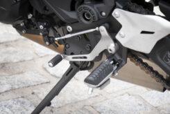 Kawasaki Z650 detalles estribera 2020