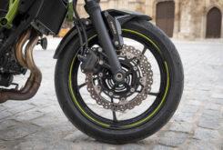 Kawasaki Z650 detalles frenos 2020