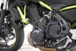 Kawasaki Z650 detalles motor 2020