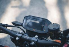 KTM 890 Duke R 2020 detalles 28