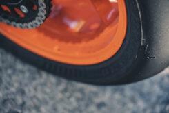 KTM 890 Duke R 2020 detalles 36