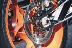 KTM 890 Duke R 2020 detalles 6