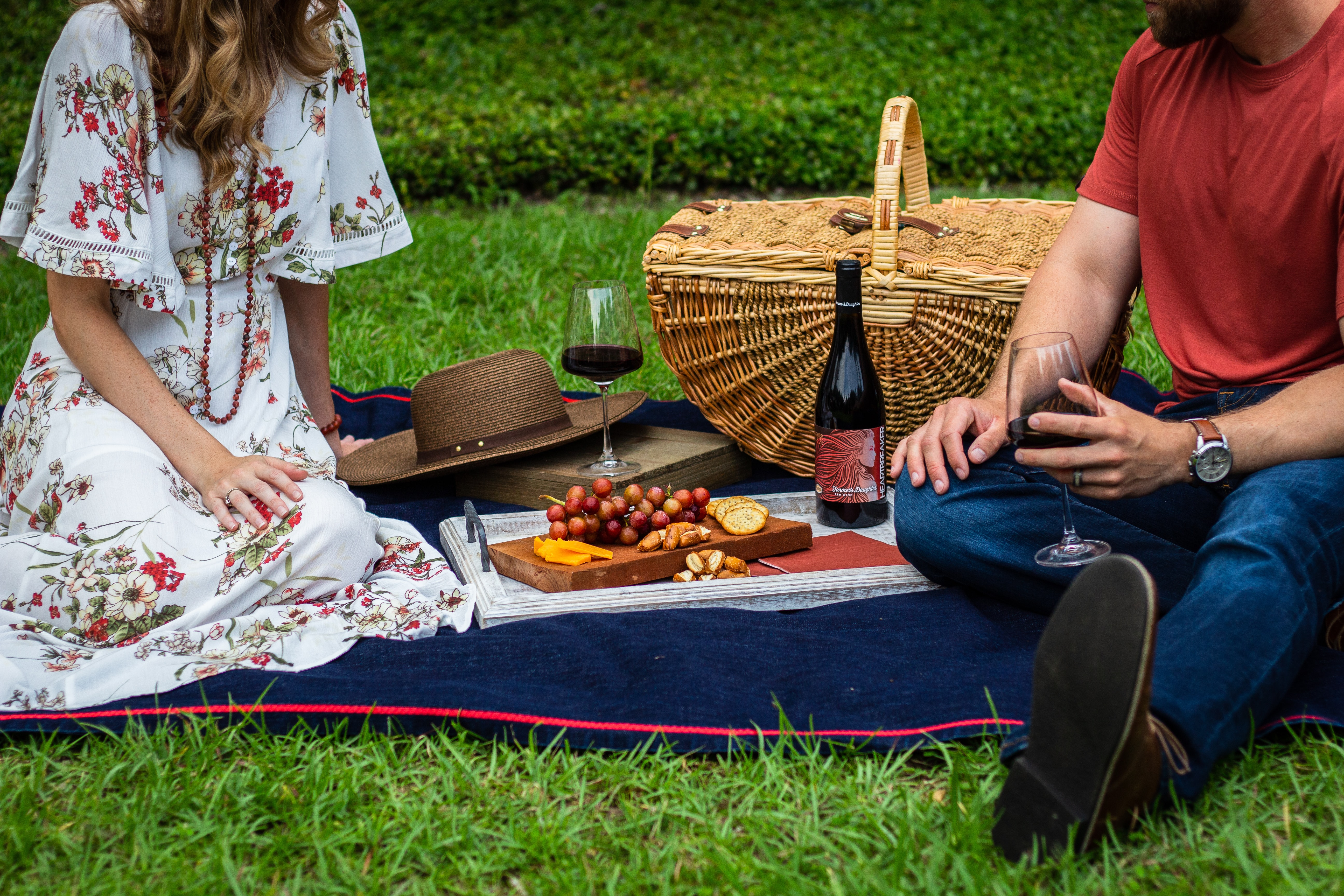 Five Essential Elements For A Romantic + Rural Picnic