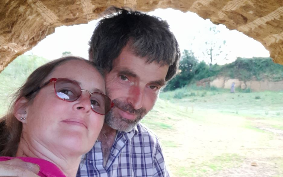 Somerset simple life bonds Bex & Paul in lockdown love
