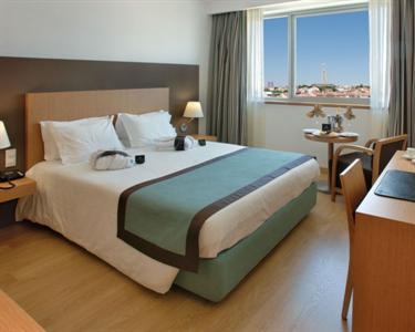 Lisboa Almada Hotel - 1 Noite + Jantar