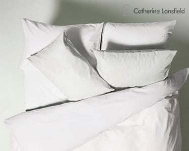 Almofada Catherine Lansfield® Catherine Lansfield® Jacquard Script | 65x65cm