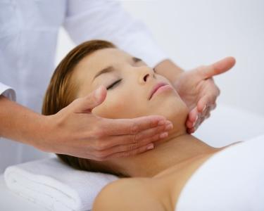Limpeza de Pele & Massagem Facial | 45 Minutos | Porto