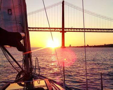 Sailing Lovers   Passeio de Veleiro Clássico e Sessão Fotográfica para Dois - 3h