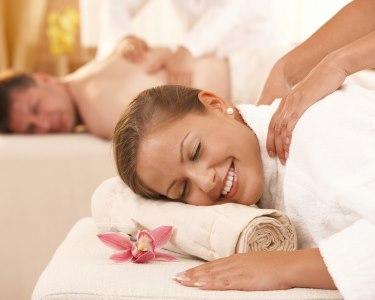 Massagem de Relaxamento a Dois | Brinde à Paixão & Chocolate no Final | Queluz