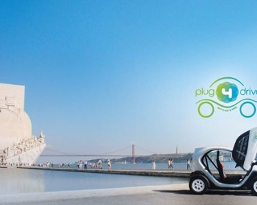 Lisboa a Dois num Twizy 100% Eléctrico | Descubra a Magia da Capital!