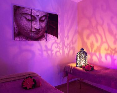 Ritual de Cores e Aromas: Massagem & Toalhas Quentes | 1 ou 2 Pessoas