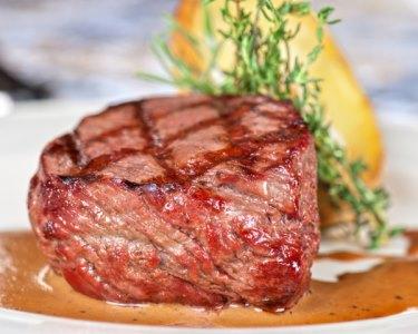 Jantar & Fado para Dois no Coração da Sé | Paixão em Alfama