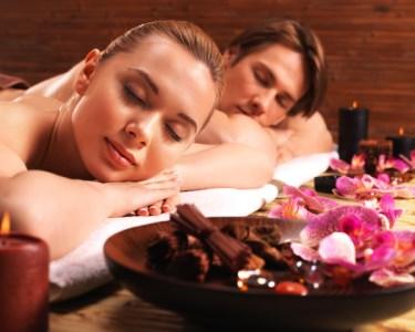 Massagem de Velas Quentes & Ritual de Chá para Dois | 45 Minutos