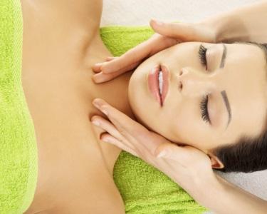 Mini-Facial c/ Peeling Gommage, Massagem & Hidratação | 1h30 | Boavista