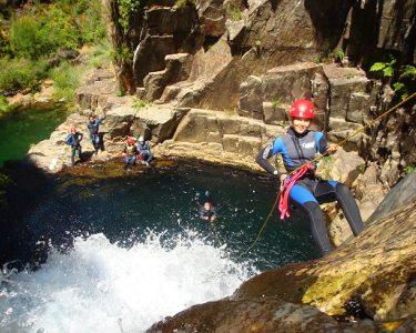 Já se Aventurou no Canyoning? 4h de Adrenalina - Lousã ou Mortágua