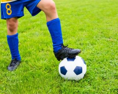 Escola de Futebol Artur Taira | Inscrição + 1ª Mensalidade | 2 Locais