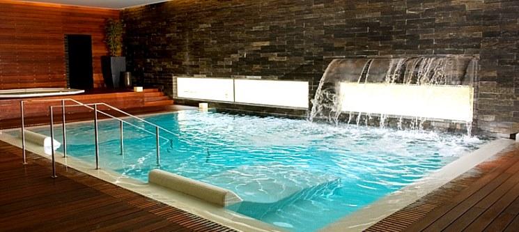 Imperdível: Palace Hotel Monte Real 4* » Noite Romântica & Circuito Spa por 75€ (2 pessoas)