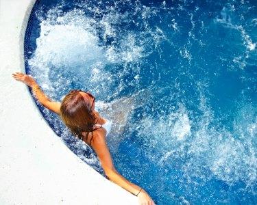 Desfrute de Circuito de Águas c/ Massagem Relax | 1 ou 2 Pessoas | Spa Atitude