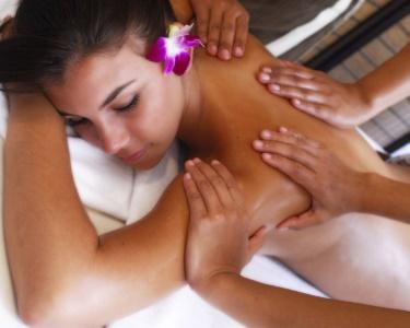 Massagem a 4 Mãos Óleos Quentes Aromatizados + Ritual Chá | BeClinic®