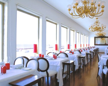 Apaixonante! Jantar Romântico com Vista Oceano | Casa Branca