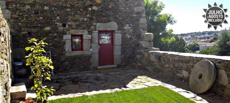 Refúgio no Vale do Côa | 1 ou 2 Noites nos Palheiros do Castelo