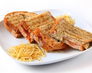 Almoço na Linha a Dois | Tostas, Saladas & Bebidas | Oeiras