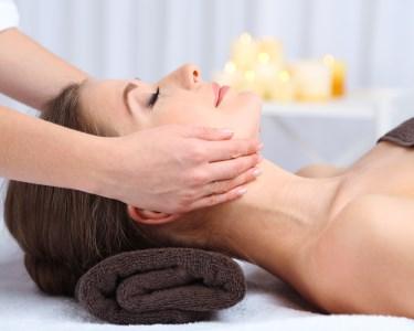 Massagem Relax + Mini Facial | 50 Minutos | 5 Clínicas Sorria