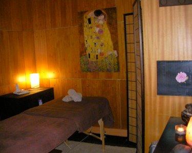 Massagem à Escolha: Bambuterapia, Geotermal ou Velas | Boavista