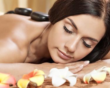 Massagem Relax ou Pedras Quentes | Clínica de Estética e Saúde Sabóia - Monte Estoril