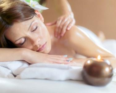 Massagem de Pedras Quentes, Óleos ou Velas | Escolha a Sua! 1 Hora